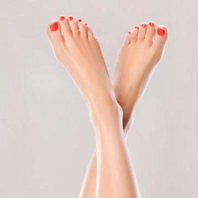 vernis-semi-permanent-et-pose-de-gel-jusqu'au-bout-des-ongles-pieds-zenitude-42